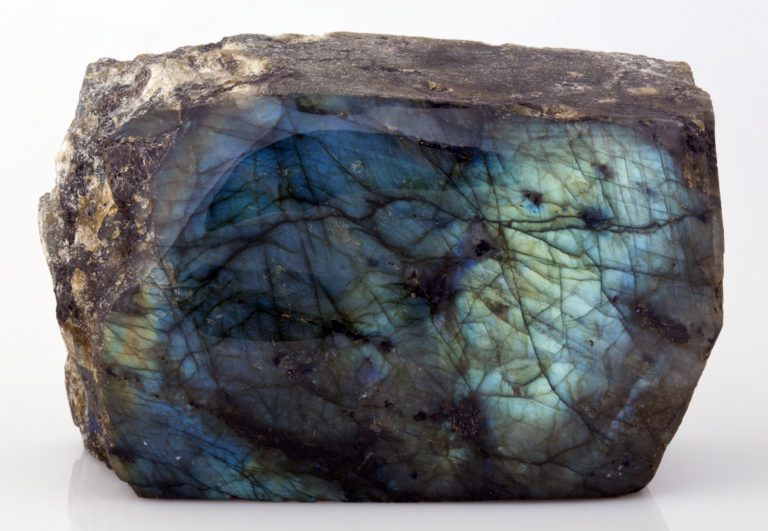 labradorite_ucl_geology_collections-768x531