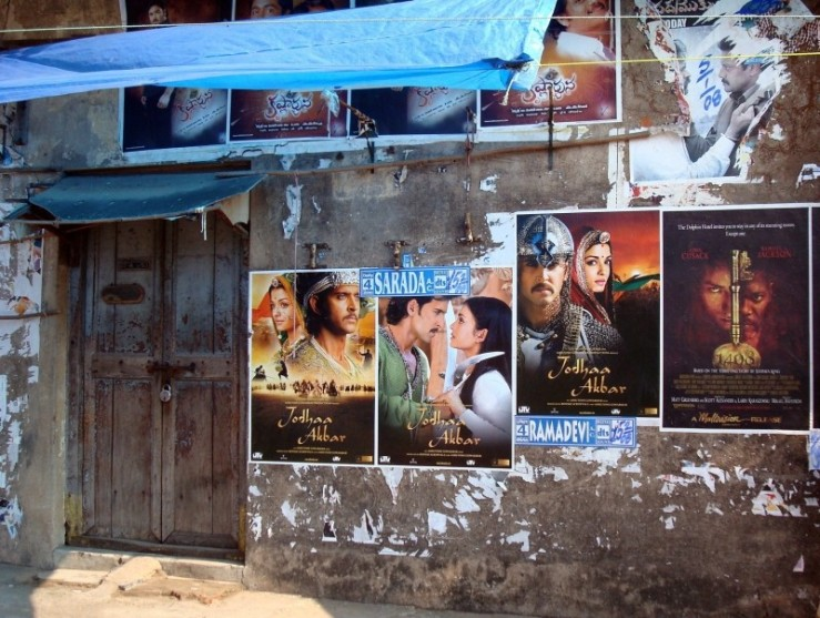 bollywood-posters-poster-bollywood-india-movies.jpg